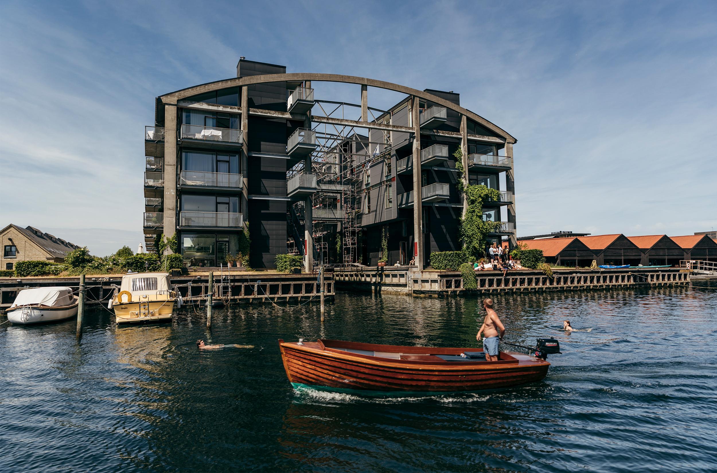 Båd i havnen / Foto: Andreas Raun Arneberg
