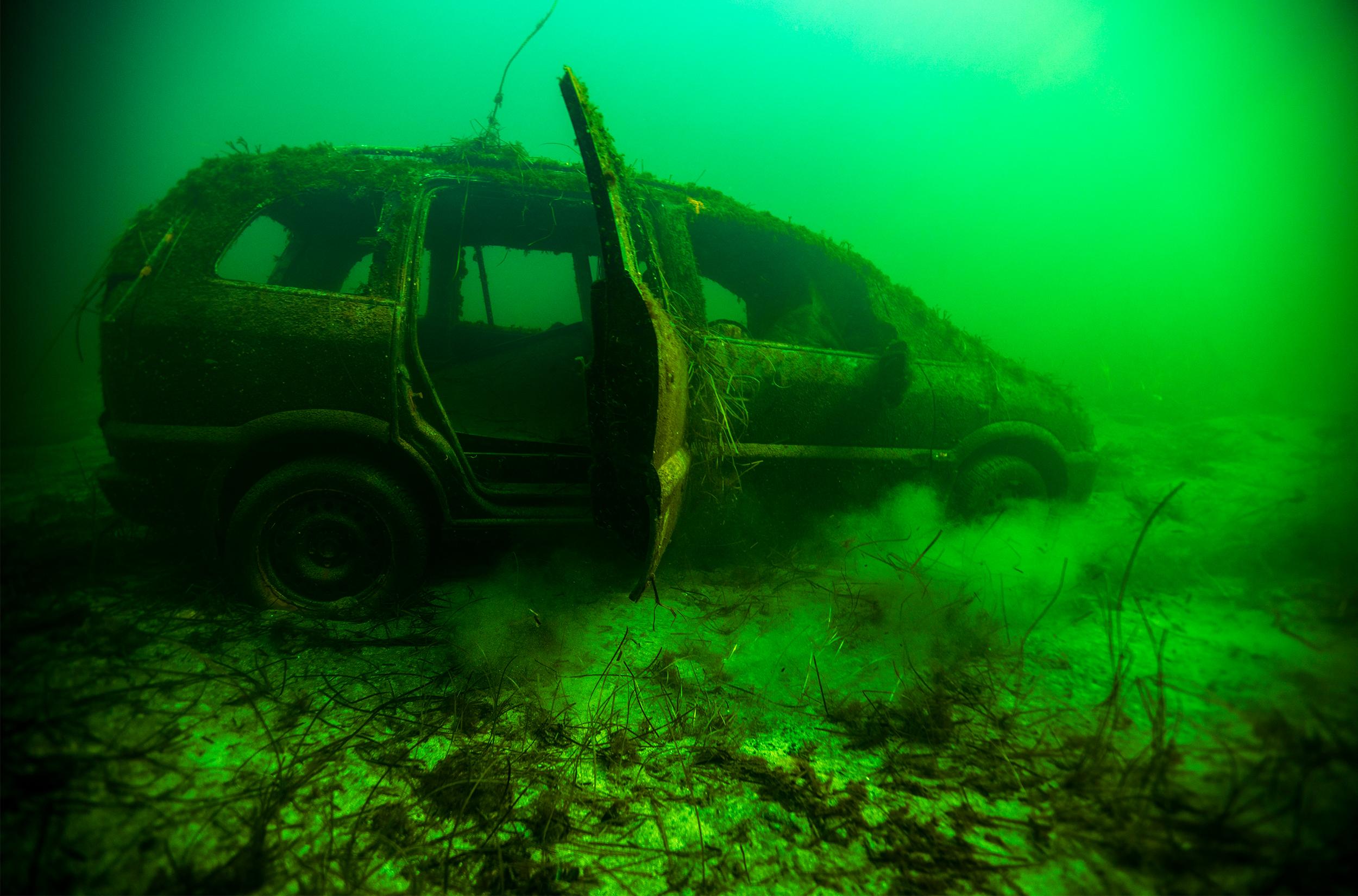 Bil i havnen / Foto: Søren Bech