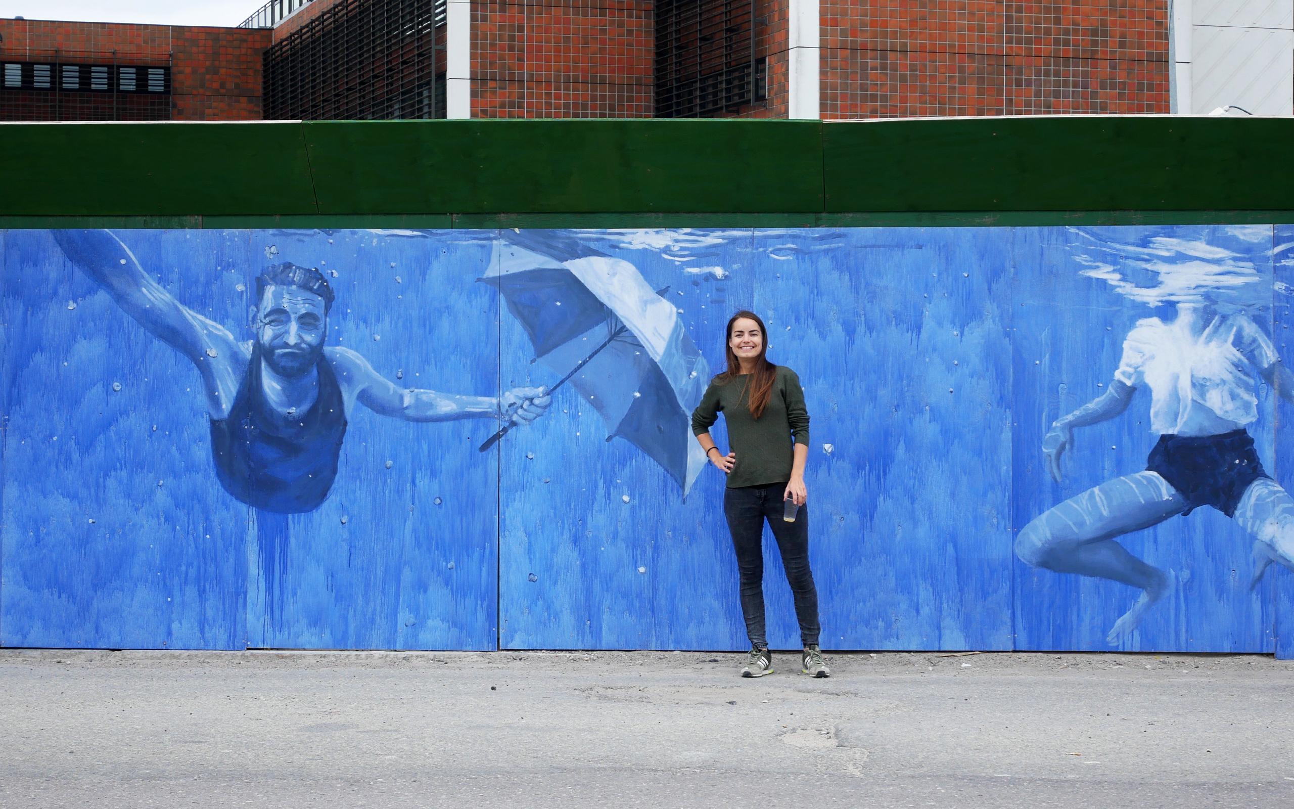 "Jacoba Niepoorts maleri ""Elevation: None"" på metrohegnet i Nordhavn"